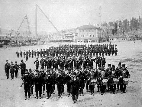 Sultan II.Abdülhamid fotoğraf arşivinden İstanbul'da hayat..Bahriye Taburu, 1880-1893