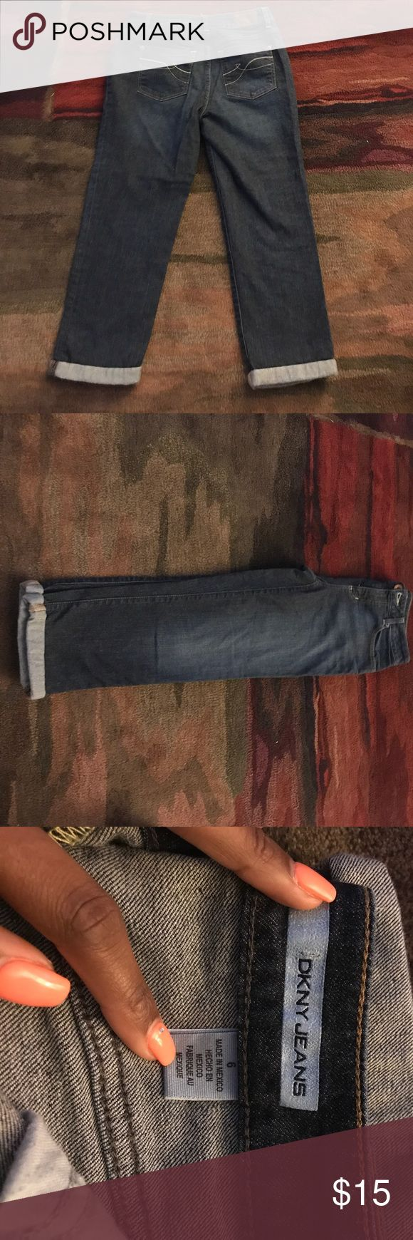 DKNY Women's Capri Jeans. Size 6 DKNY Women's Capri Jeans. Size 6. In Great condition. DKNYC Jeans Ankle & Cropped