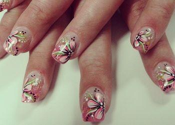 Kunstnagels met roze en groene acryl  Bloemetjes NailArt! on http://www.beautynailsfun.nl/2013/05/kunstnagels-met-roze-en-groene-acryl-bloemetjes-nailart/