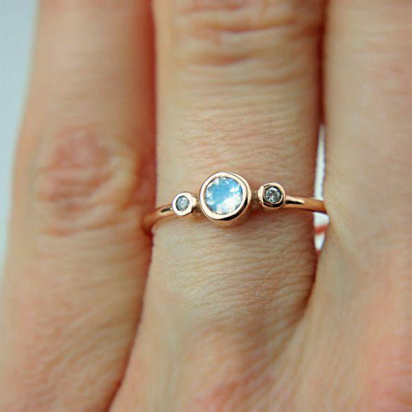 Pierścionek z kamieniem księżycowym i diamentami - ManariDesign - Pierścionki zaręczynowe