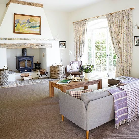 Living room fireplace | Oxfordshire country house | House tour | PHOTO GALLERY | Country Homes and Interiors | Housetohome.co.uk