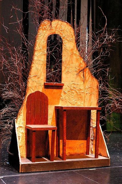 LANCE CARDINAL: INTO THE WOODS - SET DESIGN I love this idea of having woods on the back side so you just turn it around.