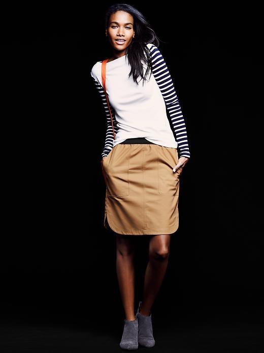 GAP  Pull-on shirttail skirt