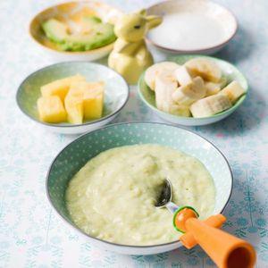 Fruitpap met banaan, avocado, ananas en yoghurt