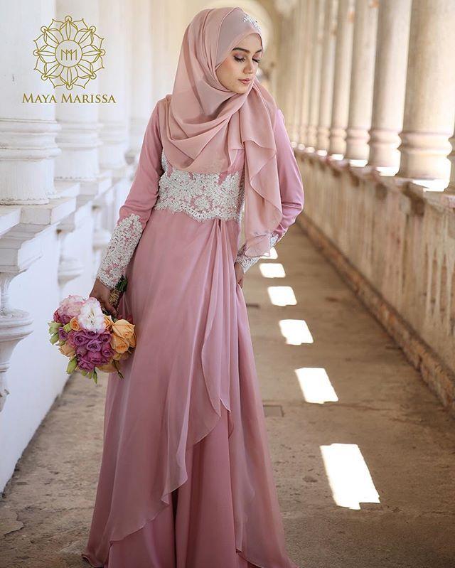 Diana Dress dari @mayamarissa.co tampil anggun dengan kelembuatan warna dusty pink yang memukau, kombinasi material satin berkualiti tinggi dan chiffon yg eksklusif beralun cantik penuh dramatik. Sempurna dengan hiasan beads putih dengan perincian batu swarovski yang indah.  #mayamarissalaunch #lace #dresses #wedding #event #lace #couture #hautecouture #life #model #hijabista #tunang #longdress #beautiful #inspiration #inspired #malaywedding