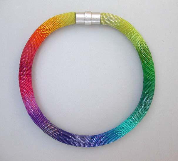An amazing Bead crochet necklace -  by Hildegund llkerl.