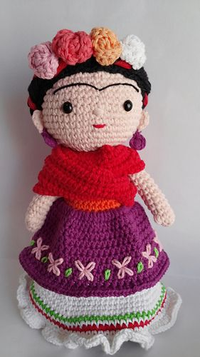 Frida Kahlo amigurumi doll pattern by Locura Hermosa