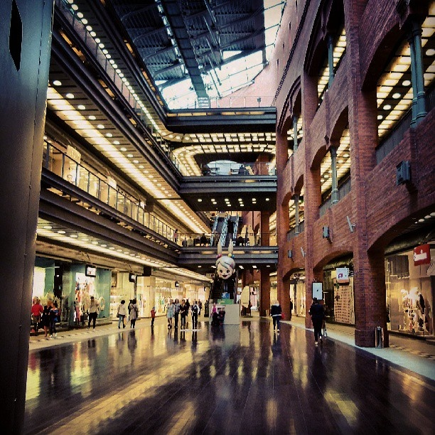 Found on Starpin. #architecture #interior #brick #reflections #lights #manga #art #mall #icsc #starybrowar #poznan #Poznań