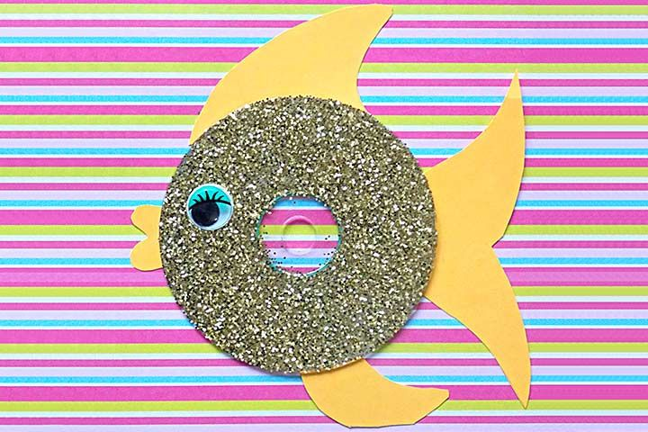 Waste Material Craft Ideas - Glittery CD Fish