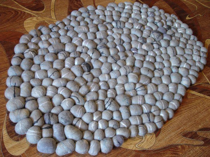 Коврик валяный Серый гранит. 292 камня. Только шерсть. Валяный коврик, валяные камни. felt  felting rug stonne wool