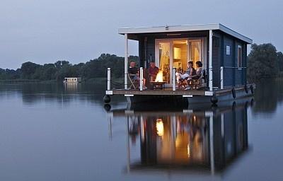 Brandenburg an der Havel vacation house boat rental: License-free houseboat