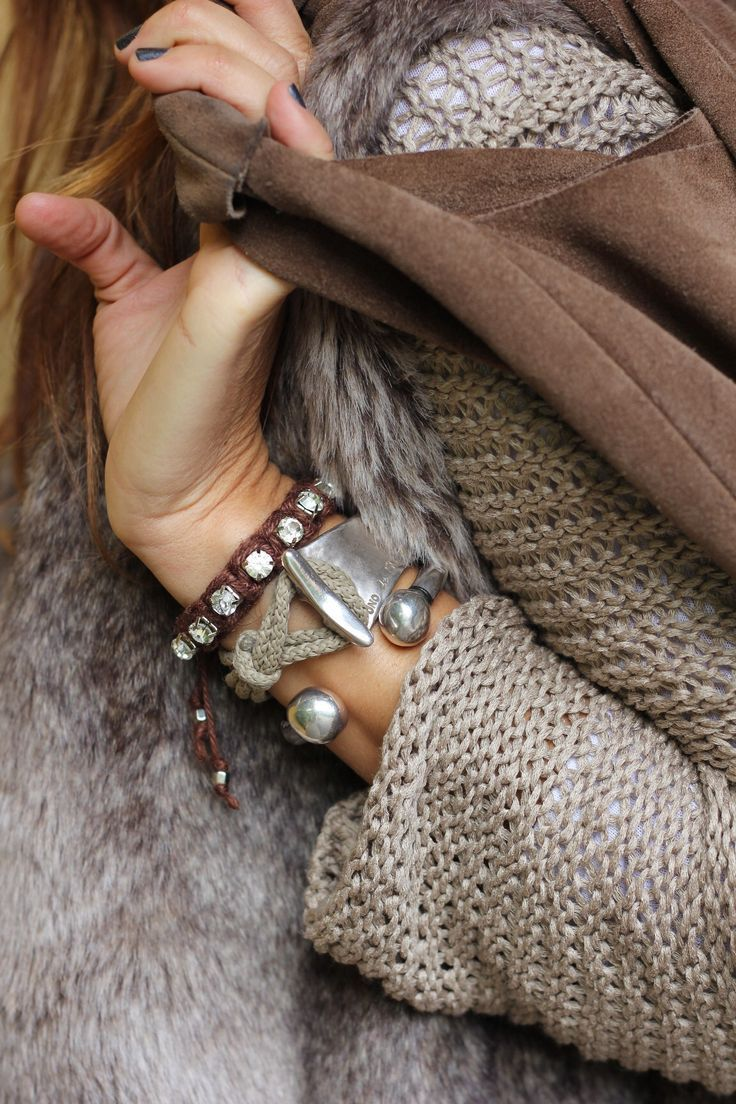Neutral layers and textures