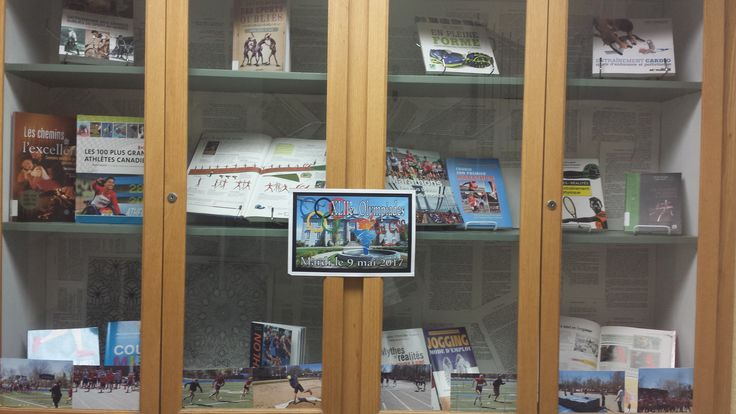Bibliothèque. Library display.  Sports. Olympiques.