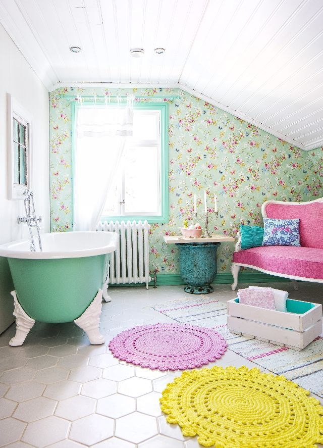 colourful / vintage / bathroom: