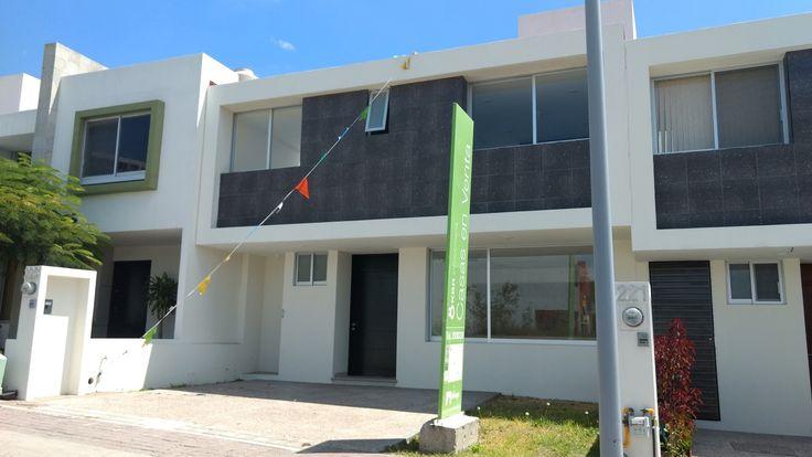 Casa en Venta en El Refugio. Terminados Premium. Hermosa Cocina. $1,900,000.