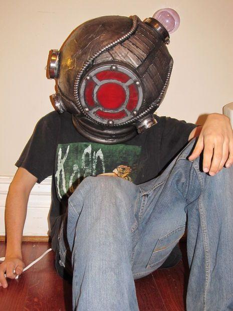 How To: Big Sister, Bioshock 2 Helmet/Lamp