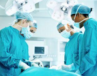 eerste belangrijke moment: operatie aan kaat haar hazenlip