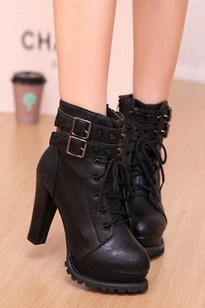 botas cortas británicos, la hebilla del cinturón botas de tacón alto de remachado, Martin-negro