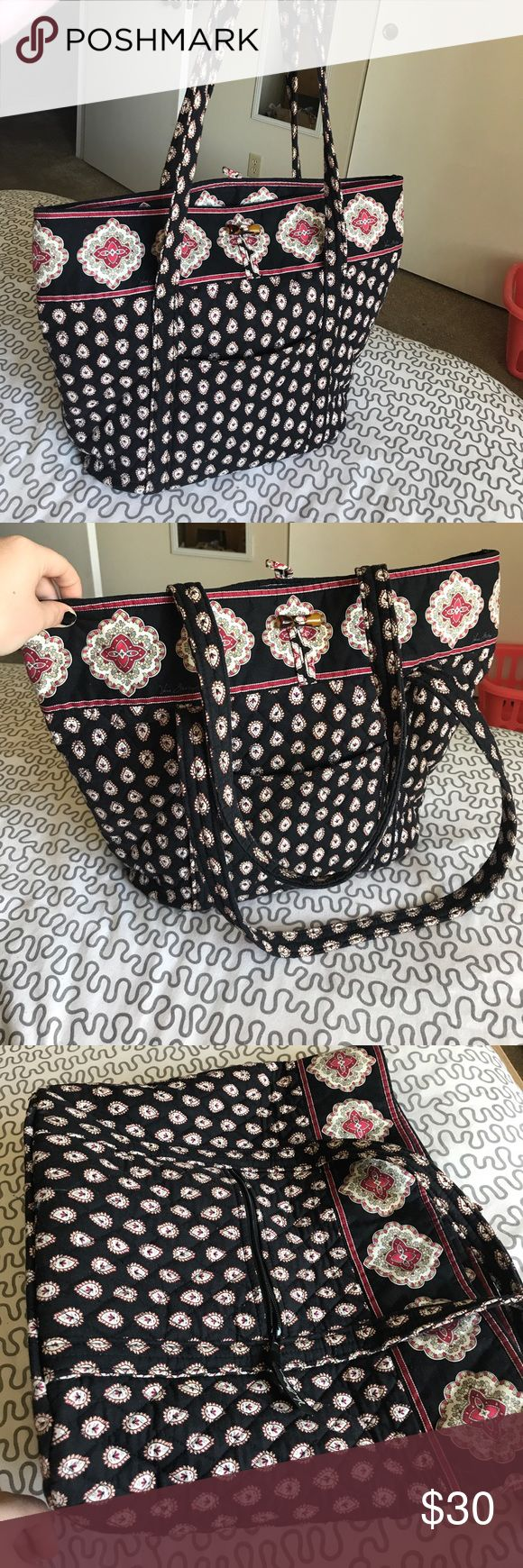 Vera Bradley Tote Bag, Perfect Condition Any size laptop would fit inside. 16 inches tall, 14 across. Like new. Smoke-free home. Vera Bradley Bags Totes
