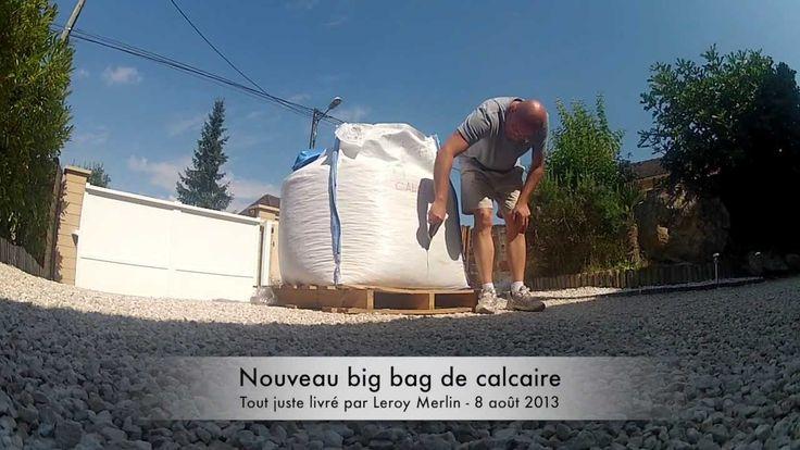 Etalage d'un big bag de gravier calcaire blanc