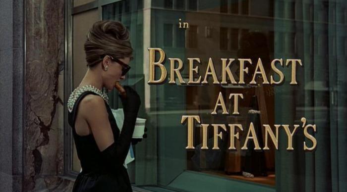 Fragmentos de Cine: Audrey Hepburn… y su desayuno con diamantes.   Algún día en alguna parte