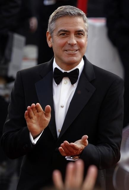 244 best images about george clooney on pinterest ryan gosling brad pitt and jean dujardin. Black Bedroom Furniture Sets. Home Design Ideas