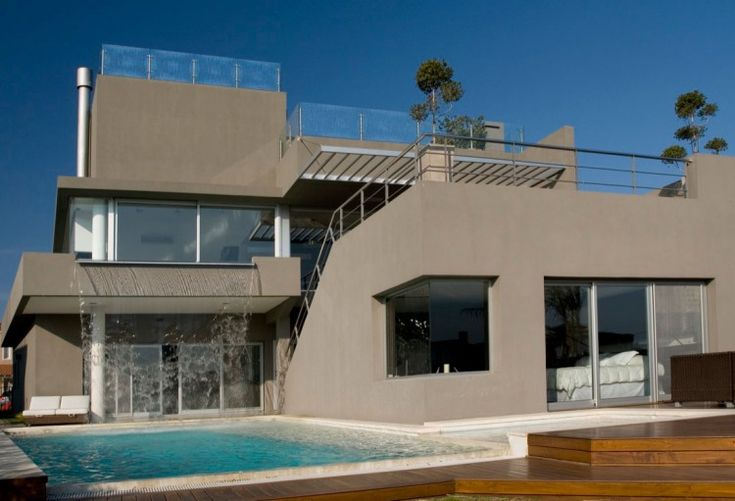 Relaxing Luxury Waterfall House by Andres Remy Arquitectos