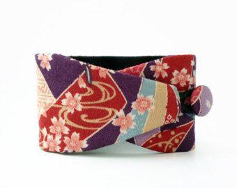 Pulsera Obi Miharu- tejido japonés 100% algodón- Brazalete con motivos japoneses de flores de cerezo con diseño japonés. Pulsera de puño.