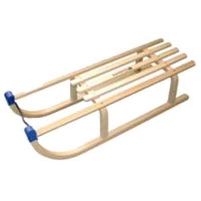 Tradiční sáňky určené pro rekreační sáňkování. Délka sedáku umožňuje jízdu jednomu či více sáňkařům najednou. Celodřevěné sáňky se zahnutým obloučkem na ruce. Sáně je možné doplnit o dětskou ohrádku.Technická data: dětské sáně materiál dřevo / plast délka 90 cm šířka 32 cm nosnost 90 kg