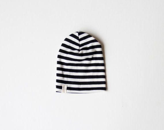 black/white striped slouch beanie baby/toddler от childHOODS