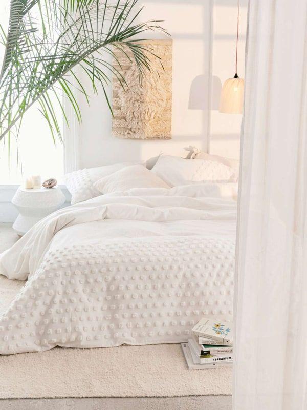 13 No Headboard Ideas For Your Bedroom Bedroom Setup Bedroom
