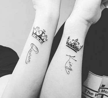 Resultado De Imagen Para Tatuajes De Nombres En Brazo Con Coronas