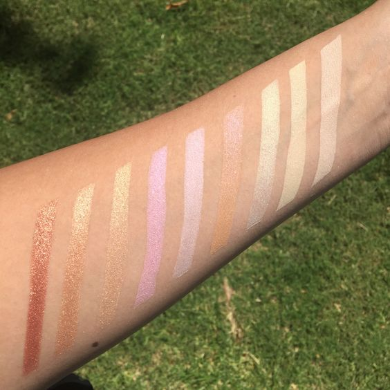 #Swatches #highlighter #highlighting #makeup #morphe