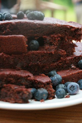 Scarlet Beet Brownies and Fresh BlueberriesGirls Local Ingredients, Families Ajch, Blueberries Http Bit Ly Hpgibw, Girls Generation, Scarlet Beets Brownies, Chocolates Brownies, Blueberries Http Bit Ly Iatlff, Fresh Blueberries, Lemonbasil Beets