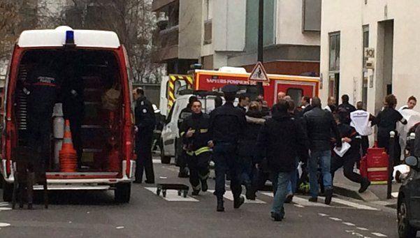 Francia: atentado a una revista dejó 12 muertos