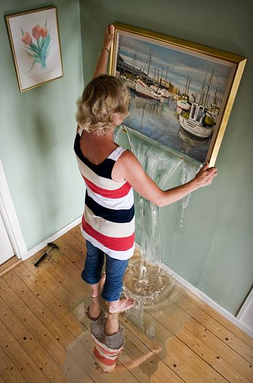 "I LOVE the details in this photo. ""Häng havet på väggen"" (Hang the sea wall) by Erik Johansson"