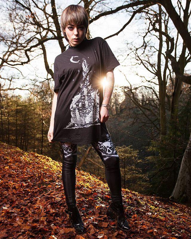 "CRMC X @wirosatan X @viewfromthecoffin ""Aske Til Aske"" Tee & CRMC X @julianakbar ""Satan's Waitin'"" Leggings Available at www.crmc-clothing.co.uk | WE SHIP WORLDWIDE Models - @izabellaraejaxxofficial Photography - @adrianianmcnab #darkwear #need #blackwear #want #cozy #alternative #fashion #baphomet #leggings #iloveblack #womenwithtattoos #winter #winterfashion #style #alternativeguy #alternativeboy #alternativegirl #churchburning #blackmetal #love #girlswithtattoos #satan #tattooedwomen"