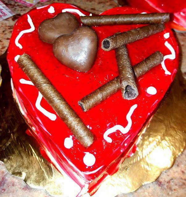 Πρασανάκης Εργαστήριο Ζαχαροπλαστικής: Χρόνια πολλά στα ερωτευμενάκια !!!!!!! Πρασανάκης ...