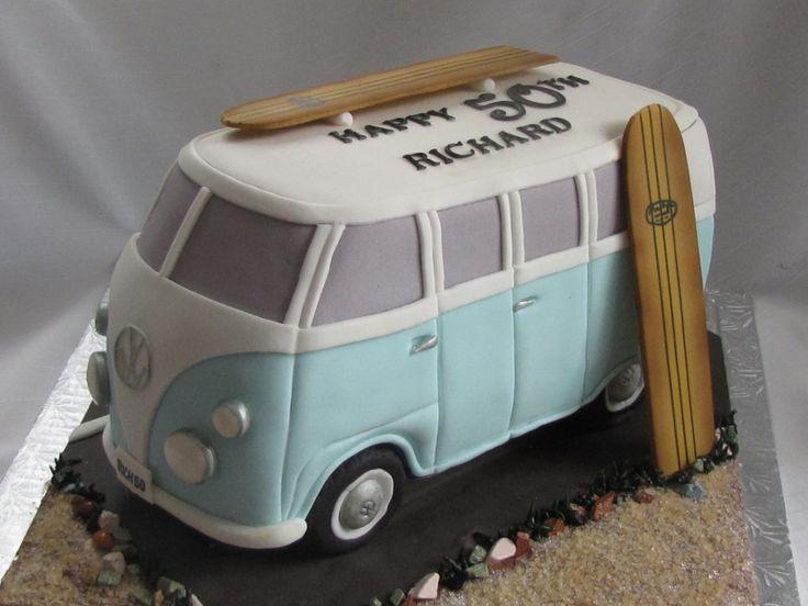 Muskoka Surfboard cake                                                                                                                                                     Mais