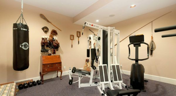 Fabulous Gym Equipment Nuanced In White And Black To Match With Simple Home Gym Ideas Home Gym Set Home Gym Basement At Home Gym