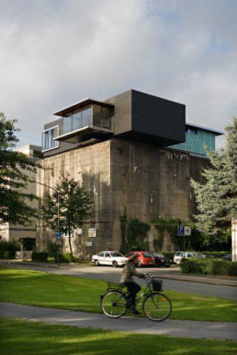 Private house in Hamm (Germany) by Michael Amort, Bonn  #VMZINC #Concrete #Zinc #Project #Architecture #Germany #Roofing #Façade #AnthraZinc