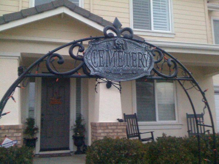 best 25 halloween fence ideas on pinterest halloween graveyard halloween graveyard decorations and spooky halloween decorations - Diy Outdoor Halloween Props