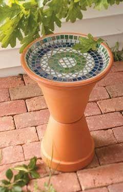DIY Mosaic Bird bath crafts-and-creations @ its-a-green-lifeits-a-green-life
