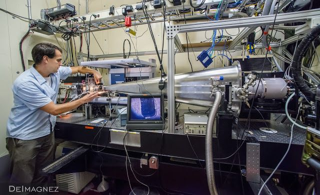 Para Astronom di Laboraturium Berkeley merancang sebuah sistem astronomi yang bernama 'DESI' (Dark Energy Spectroscopic Instrument), dengan menggunakan 5.000 robot untuk mencari galaksi baru dan membangun peta raksasa 3D alam semesta. Proyek ini bertujuan untuk memberi pemahaman lebih luas mengenai dark matter dan galaksi kita sendiri.
