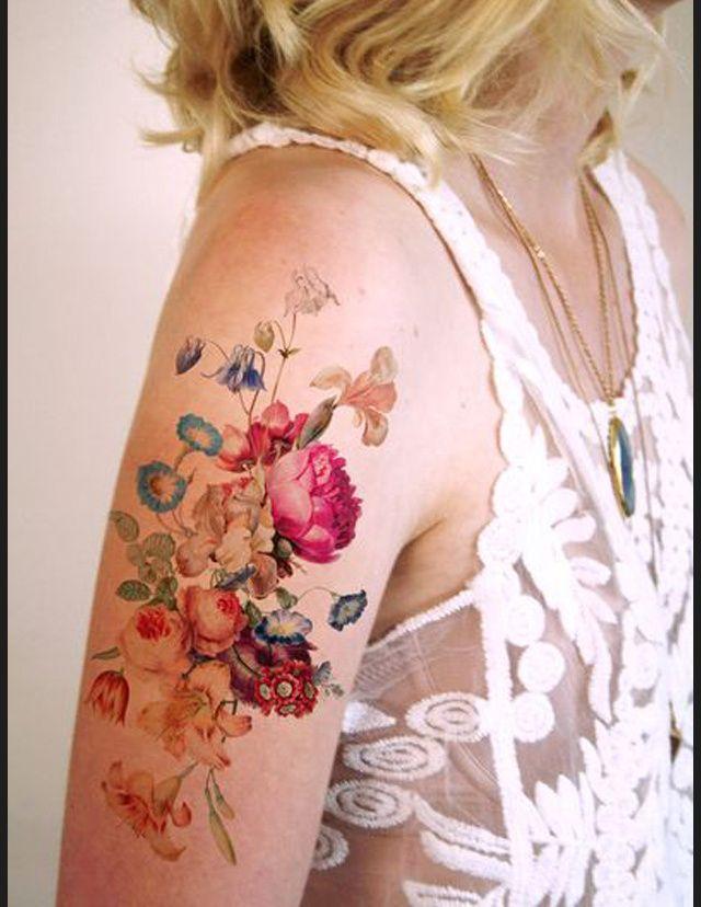 Des tatouages de fleurs vus sur Pinterest Tatouage fleur temporaire