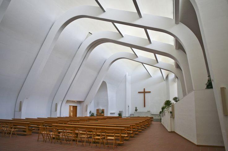 Аалто, церковь в Риола, интерьер