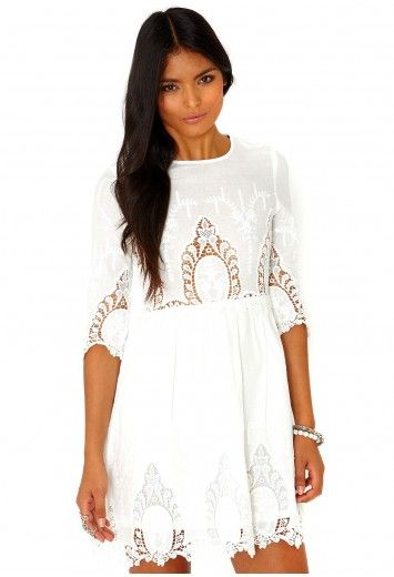Missguided - Vavery Broderie Anglaise Skater Dress