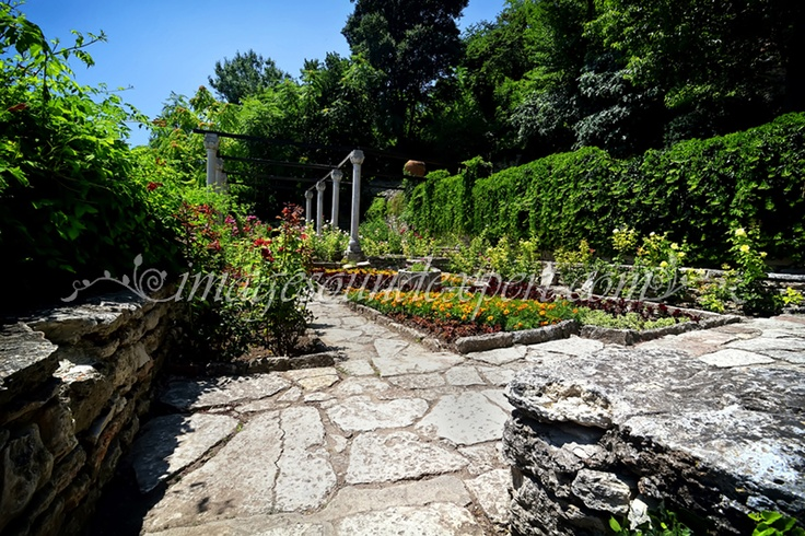 Maze Garden, Labyrinth Garten, Le Jardin Labyrinthe, Gradina Labirint  www.imagesoundexpert.com