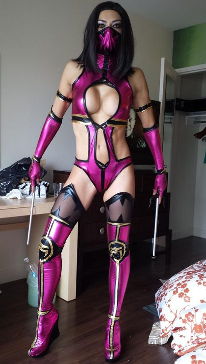 Mileena mortal combat costume - ♋ www.pinterest.com/WhoLoves/Sexy-Disney  ♋#MortalCombat