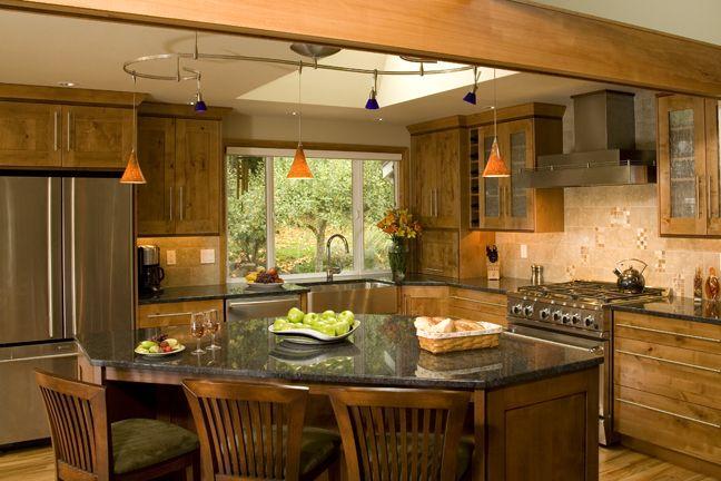 Riddle construction and design kitchen gallery redmond for Split foyer kitchen ideas